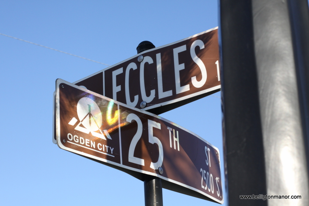 bellington sign 25th eccles